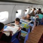 Avion transformat în grădiniţă de copii