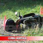 Glăvăneşti: Femeie de 43 de ani decedata dupa ce a intrat cu mopedul intr-un pom