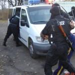 Bacau: Scandal pe strada Mioritei. Un conducător auto din Covasna cercetat pentru ultraj, distrugere și conducere sub influența alcoolului
