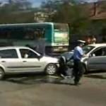 Răcăciuni: Accident rutier produs pe fondul neatenției în conducere