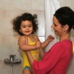 România este pe primul loc în Europa cu cel mai mare procent de mame mai tinere de 20 de ani