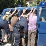 Polițiștii au depistat trei bărbați suspectați de furt din locuință