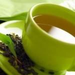 4 motive să bei ceai verde