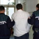 Poseda mandat de executare a pedepsei cu închisoarea, pentru infracțiuni la regimul circulației
