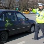 Conducea un autoturism, deși avea permisul anulat