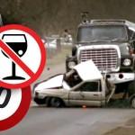 Accident auto datorat condusului imprudent într-o curbă periculoasă pe un carosabil umed