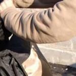 A lovit și sustras un telefon mobil de la o minoră, dar a fost prins