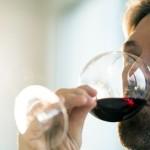 Studiu: Exercițiul fizic ar incita la consumul de alcool