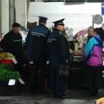 Comertul cu produse alimentare si de sezon, in atentia politistilor bacauani