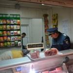 POLIȚIȘTII BĂCĂUANI VERIFICĂ LEGALITATEA ACTIVITĂȚILOR COMERCIALE