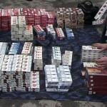 Transporta 20 000 de țigarete fără timbre de acciză