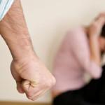 Reţinut de poliţişti pentru comiterea infracţiunii de violenţă în familie