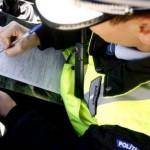 Cercetat de poliţişti pentru conducere cu permisul suspendat