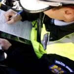 Cercetat de poliţişti pentru conducere fără permis