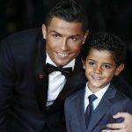 Cristiano Ronaldo a devenit tată de gemeni