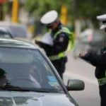 Depistat de poliţişti după ce a condus cu permisul suspendat