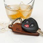 Poliţiştii îi cercetează pentru conducere sub influenţa alcoolului